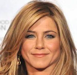 Jennifer Aniston Renew Aesthetic Clinic